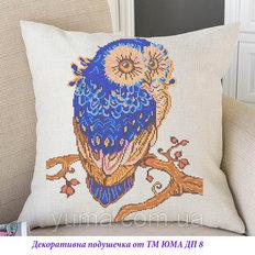 фото: подушка с декоративной наволочкой для вышивки бисером
