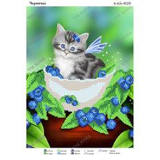 фото: картина для вышивки бисером котик в чернике